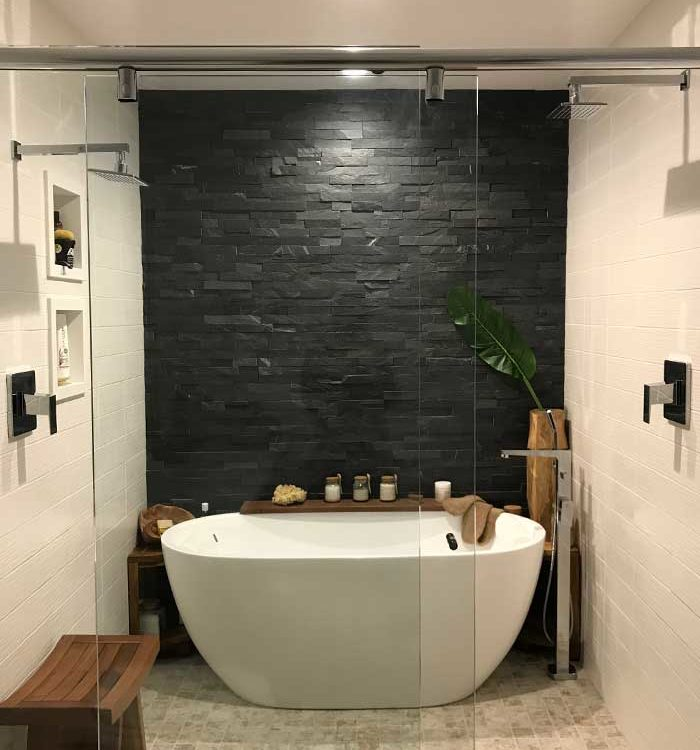 Modern-Bathroom-with-bath-tub-and-rock-wall